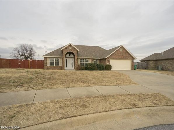 3 bed 2 bath Single Family at 767 Westfield St Springdale, AR, 72762 is for sale at 180k - 1 of 30