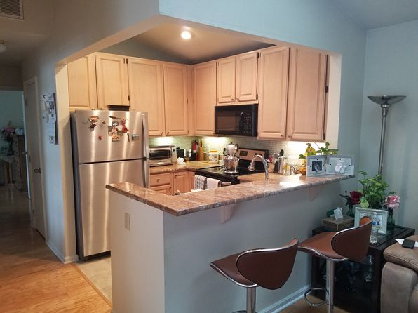 2 bed 1 bath Townhouse at 12 Wood Duck Pond Rd Bedminster, NJ, 07921 is for sale at 285k - 1 of 17