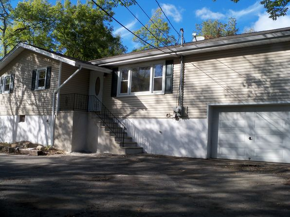 3 bed 2 bath Single Family at 506 Edwards Dr Highland Lakes, NJ, 07422 is for sale at 199k - 1 of 8