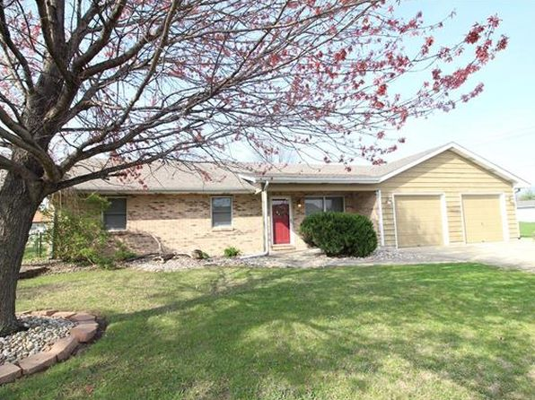3 bed 2 bath Single Family at 105 Chouteau Trace Pkwy Granite City, IL, 62040 is for sale at 130k - 1 of 22