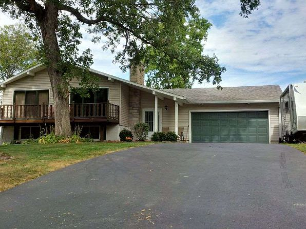 4 bed 3 bath Single Family at 211 N Park Ave Geneseo, IL, 61254 is for sale at 180k - 1 of 24