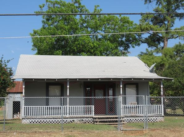 2 bed 1 bath Single Family at 304 S AVENUE F MASON, TX, 76856 is for sale at 109k - 1 of 17