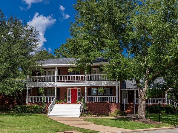 3 bed 3 bath Single Family at 705 QUAIL HOLLOW DR HUNTSVILLE, TX, 77340 is for sale at 268k - google static map