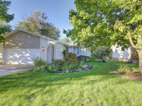 3 bed 3 bath Single Family at 110 Bell Ave Monticello, IL, 61856 is for sale at 168k - 1 of 29