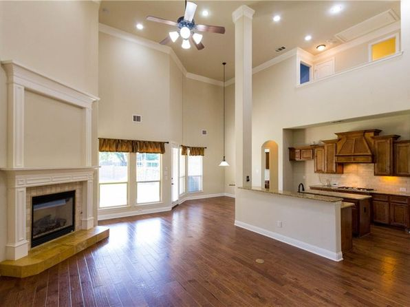 5 bed 5 bath Single Family at 302 Running Bear Ct Euless, TX, 76039 is for sale at 555k - 1 of 34