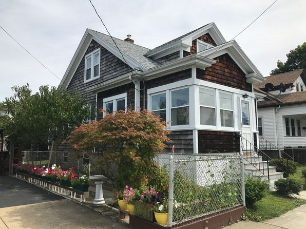3 bed 3 bath Single Family at 26 MILFORD ST NEW BEDFORD, MA, 02745 is for sale at 276k - 1 of 28