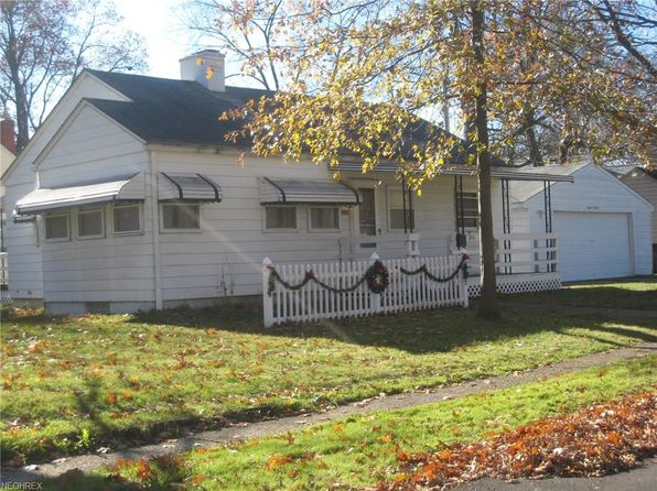 3 bed 1 bath Single Family at 1818 Jefferson Ave Cuyahoga Falls, OH, 44223 is for sale at 95k - 1 of 12
