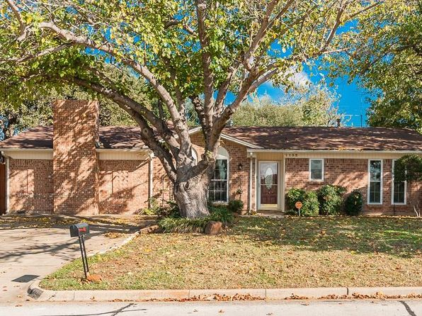 3 bed 2 bath Single Family at 1132 Sherwood Dr Bedford, TX, 76022 is for sale at 229k - 1 of 32