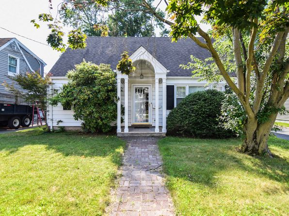 4 bed 2 bath Single Family at 24 Hopson Ave Little Falls, NJ, 07424 is for sale at 285k - 1 of 15