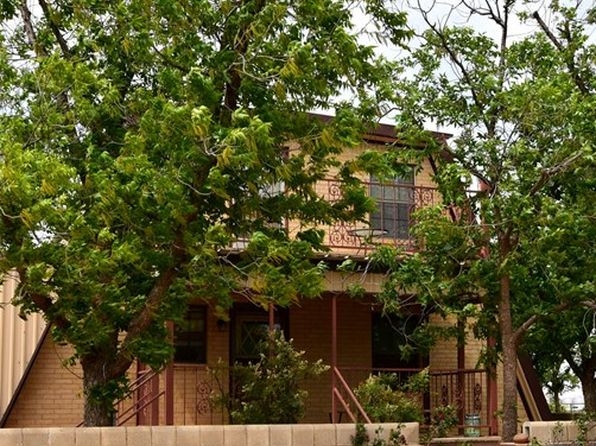 4 bed 2 bath Single Family at 1300 E County Road 130 Midland, TX, 79706 is for sale at 285k - 1 of 39