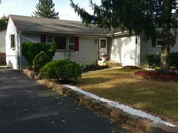 3 bed 2 bath Single Family at 18 New St Spotswood, NJ, 08884 is for sale at 280k - 1 of 15