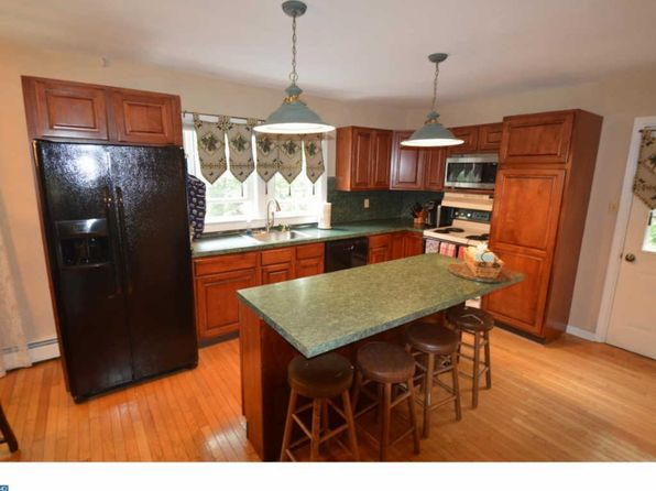 4 bed 2 bath Single Family at 1589 Brownsville Rd Langhorne, PA, 19047 is for sale at 270k - 1 of 18