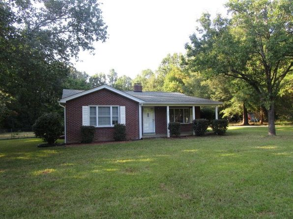 3 bed 1 bath Single Family at 207 Woodland Way Greenwood, SC, 29646 is for sale at 81k - 1 of 12