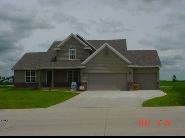 3 bed 3 bath Single Family at 113 White Tail St Hudson, IL, 61748 is for sale at 175k - google static map