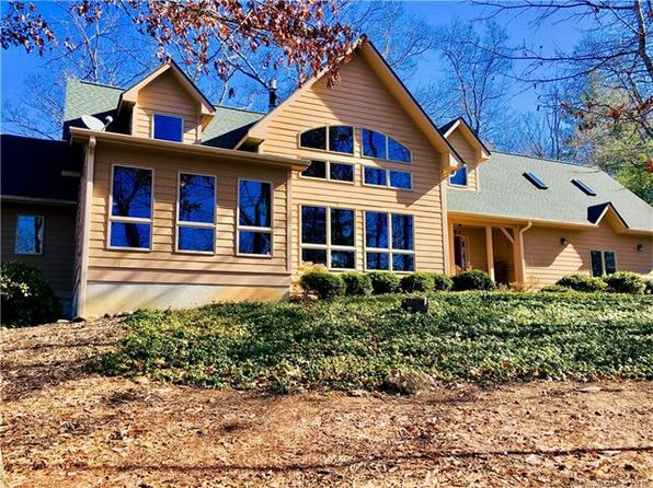 3 bed 4 bath Single Family at 5584 Spring Rd Hendersonville, NC, 28739 is for sale at 499k - 1 of 19