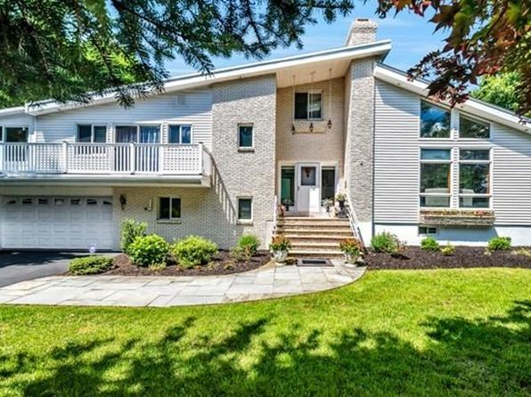 4 bed 3 bath Single Family at 4 Fox Hunt Ln Winchester, MA, 01890 is for sale at 1.34m - 1 of 26