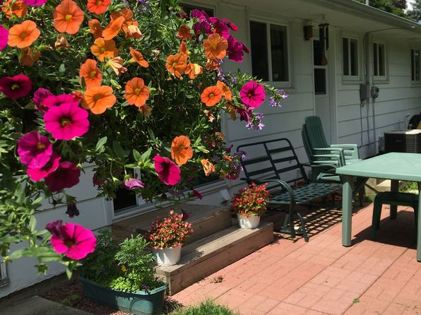 elkhart lake single parents Looking for an apartment / house for rent in elkhart lake, wi check out rentdigscom we have a large number of rental properties, including pet friendly apartments.