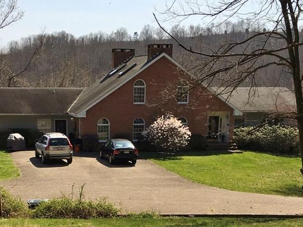 6 bed 6 bath Single Family at 13400 Point Pleasant Rd Mount Alto, WV, 25264 is for sale at 230k - 1 of 14