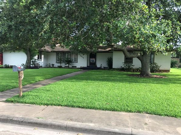 4 bed 2 bath Single Family at 1415 W Broad St Freeport, TX, 77541 is for sale at 150k - 1 of 11