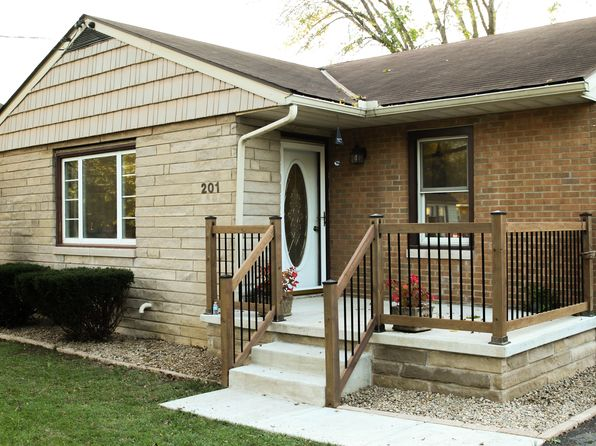 3 bed 2 bath Single Family at 201 Brookview Rd East Peoria, IL, 61611 is for sale at 140k - 1 of 24