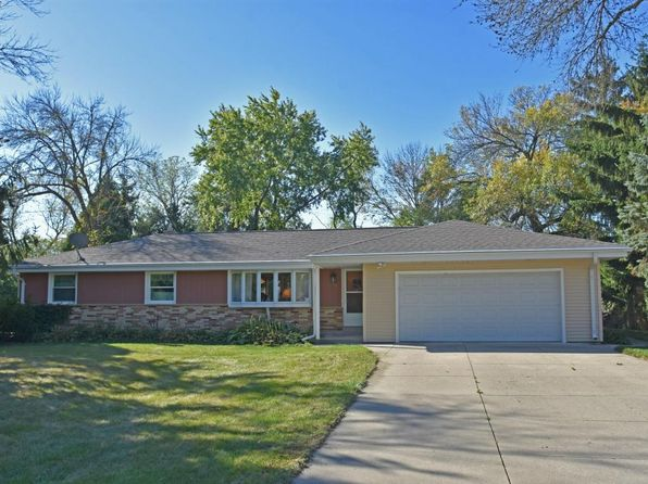 3 bed 2 bath Single Family at 415 Hill N Dale Cir Hartland, WI, 53029 is for sale at 250k - 1 of 25