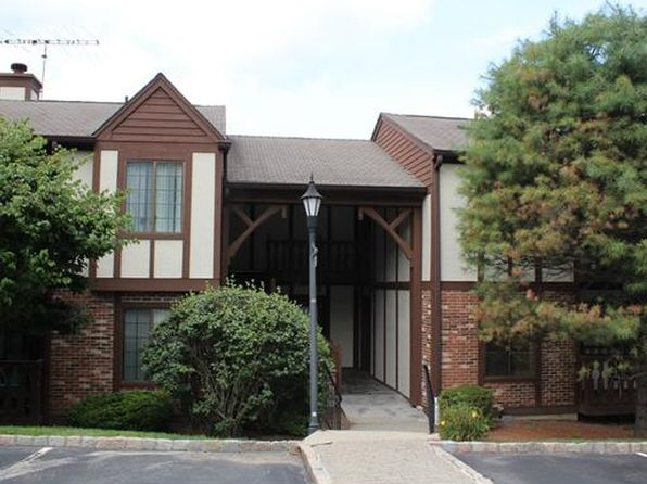 1 bed 1 bath Condo at 118 Foxwood Cir Mount Kisco, NY, 10549 is for sale at 260k - 1 of 21