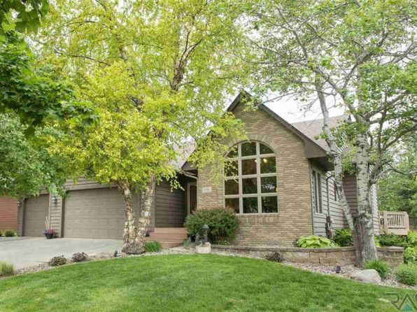 5 bed 3 bath Single Family at 116 W Saint Andrews Dr Sioux Falls, SD, 57108 is for sale at 499k - 1 of 36