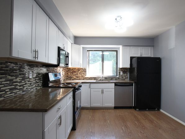2 bed 2 bath Condo at 2521 Old Stone Mill Dr East Windsor, NJ, 08512 is for sale at 165k - 1 of 25