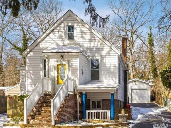 4 bed 2 bath Single Family at 213 MELVILLE RD HUNTINGTON STATION, NY, 11746 is for sale at 420k - 1 of 19