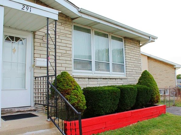 3 bed 2 bath Townhouse at 291 Dover Ln Des Plaines, IL, 60018 is for sale at 215k - 1 of 8