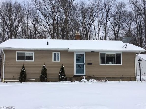 3 bed 2 bath Single Family at 3445 Curtis St Mogadore, OH, 44260 is for sale at 130k - 1 of 34
