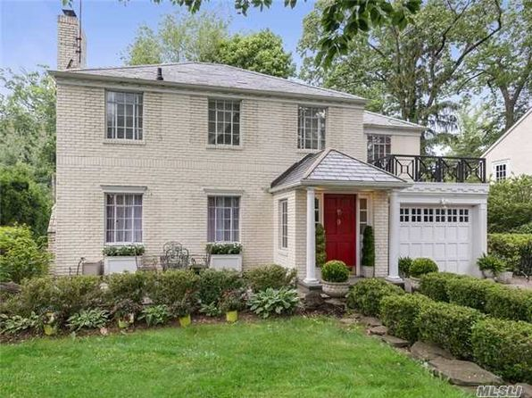 5 bed 3 bath Single Family at 9 Foxhurst Ln Manhasset, NY, 11030 is for sale at 1.50m - 1 of 20