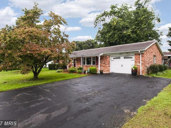 3 bed 2 bath Single Family at 10822 Oak Valley Dr Hagerstown, MD, 21740 is for sale at 165k - 1 of 25