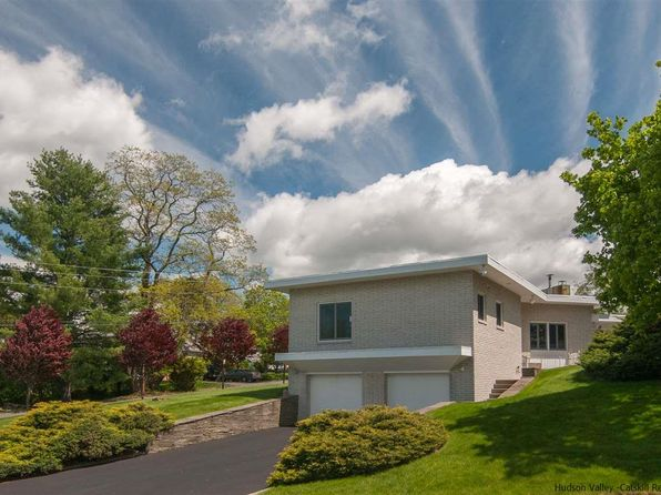 2 bed 2 bath Single Family at 1 Overlook Dr Kingston, NY, 12401 is for sale at 280k - 1 of 21