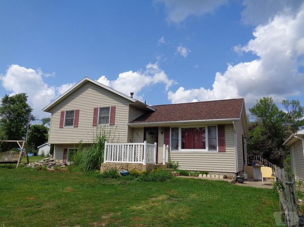 3 bed 1 bath Single Family at 401 Putnam Oquawka, IL, 61469 is for sale at 130k - google static map