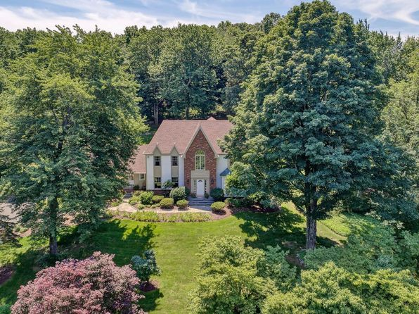 5 bed 4 bath Single Family at 11 CROSSWICKS RIDGE RD WILTON, CT, 06897 is for sale at 965k - 1 of 25