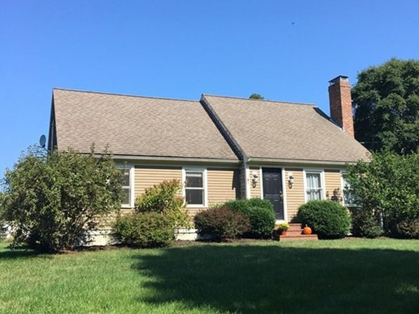 2 bed 2 bath Single Family at 108 Elm St Scituate, MA, 02066 is for sale at 435k - 1 of 13
