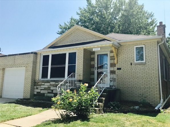 2 bed 2 bath Single Family at 2721 W 97th Pl Evergreen Park, IL, 60805 is for sale at 130k - 1 of 4