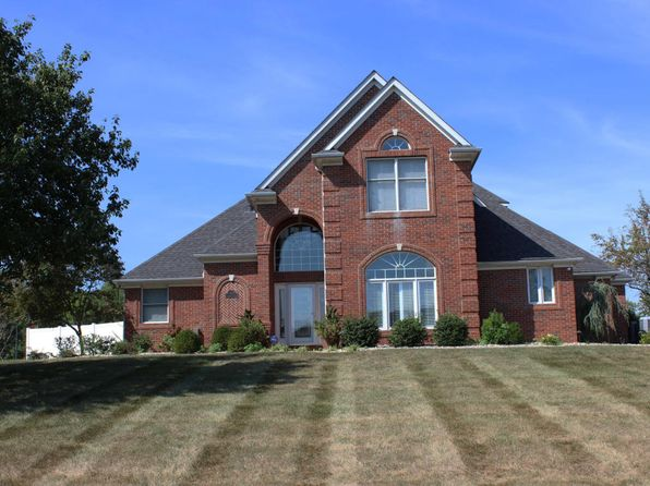 4 bed 3 bath Single Family at 1302 Camden Ct Marion, IL, 62959 is for sale at 450k - 1 of 35