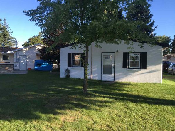 2 bed 1 bath Single Family at 133 Church St Houghton Lake, MI, 48629 is for sale at 60k - 1 of 4