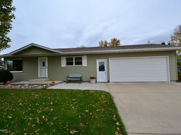 3 bed 2 bath Single Family at 617 2nd Ave Wanamingo, MN, 55983 is for sale at 195k - 1 of 27