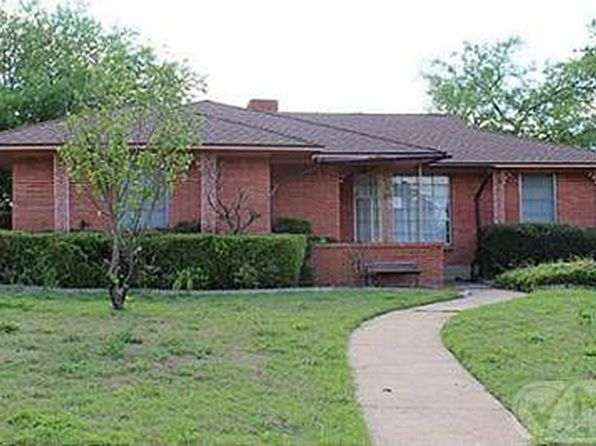 3 bed 2 bath Single Family at 3217 KIESTWOOD DR DALLAS, TX, 75233 is for sale at 279k - 1 of 43