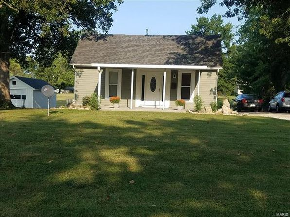 3 bed 2 bath Single Family at 911 Sumner St Jerseyville, IL, 62052 is for sale at 139k - 1 of 29