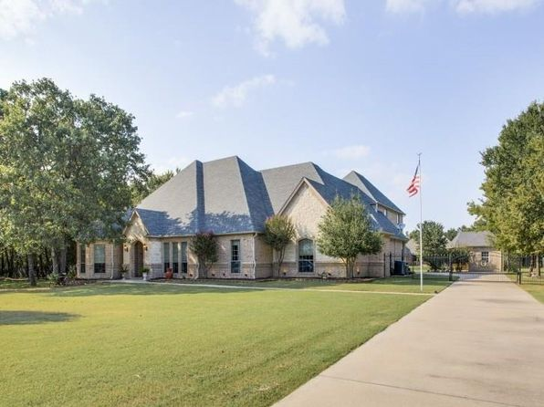 5 bed 4 bath Single Family at 102 Aquilo Ct Aurora, TX, 76078 is for sale at 565k - 1 of 36
