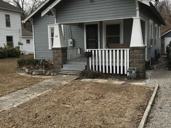 2 bed 1 bath Single Family at 1302 S Pine St Pittsburg, KS, 66762 is for sale at 45k - 1 of 6