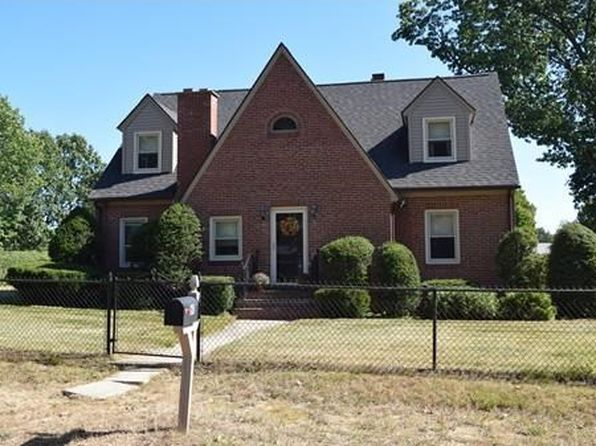5 bed 2 bath Single Family at 60 Ingham St Chicopee, MA, 01013 is for sale at 220k - 1 of 22