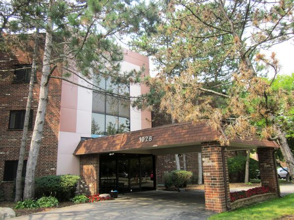 1 bed 1 bath Condo at 1026 Castilian Ct Glenview, IL, 60025 is for sale at 128k - 1 of 12