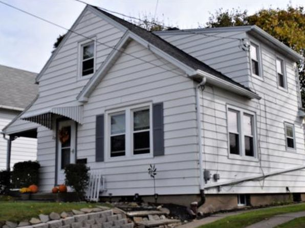 2 bed 1 bath Single Family at 20 Clarendon St Johnson City, NY, 13790 is for sale at 80k - 1 of 15