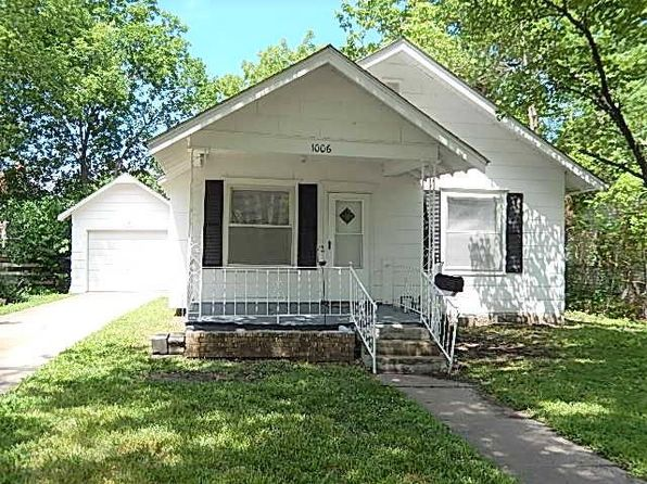 2 bed 1 bath Single Family at 1006 N Cedar St Ottawa, KS, 66067 is for sale at 60k - 1 of 16