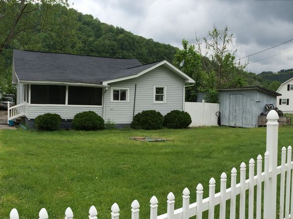 2 bed 2 bath Multi Family at 80 Johnson Dr Chapmanville, WV, 25508 is for sale at 60k - 1 of 6